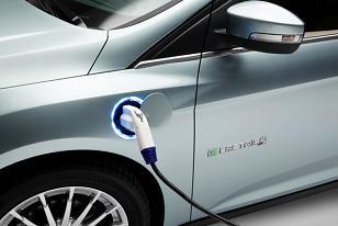 Ford Focus Electric ще се продава със слънчеви панели