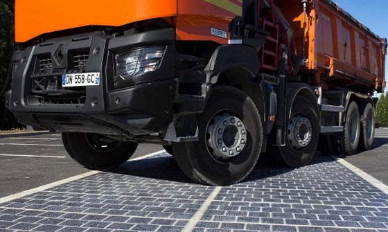 Франция ще павира 1000 километра пътища със слънчеви панели