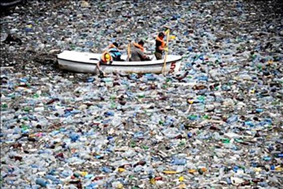 Пластмасата вече е станала част от земната кора