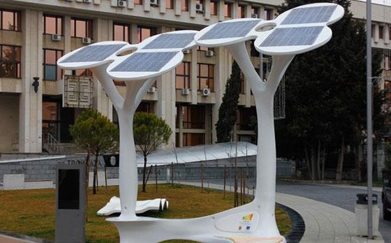 """Бургаски архитект с голяма награда за """"соларните дървета"""""""